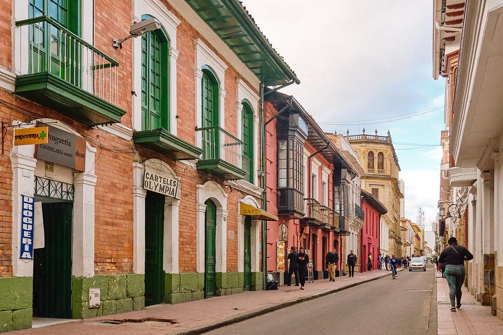 ciudad mas poblacion colombia